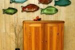 Fiskar som användbart blickfång på vägg.