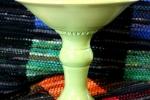 Handdrejad limegrön skål på hög fot, stengods.