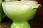 Randy liten skål på fot grön/vit